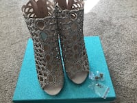 Betsy Johnson Shoes Pickering, L1W 2S7