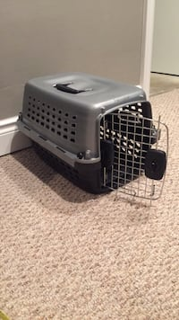 gray and black pet carrier Cambridge, N1S 2J6