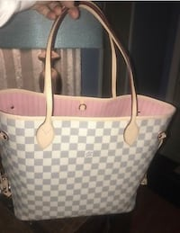 white and gray checked leather tote bag New York, 10459