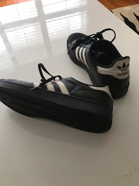 Adidas super stars size 6Y  Ancaster, L9G