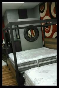 Canopy luxury bed! Mattress and boxspring saves