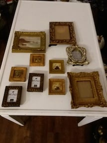 Lot of vintage picture frames