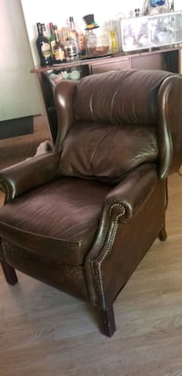 Leather recliner Simi Valley, 93063