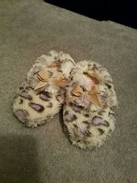 warm slipper kid size 7/8 North Potomac, 20878