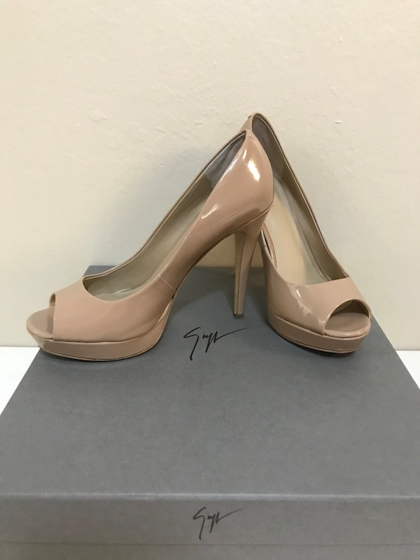 d6adca865 Used Saks Fifth Avenue nude color High heel shoes/ Size 7/.5 for sale in  Santa Clara - letgo