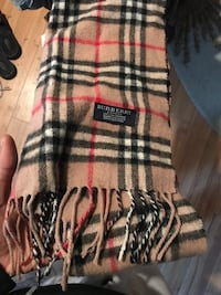 Authentic Burberry scarf Gainesville, 20155