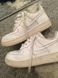 Par vita nike air force 1 låga sneakers