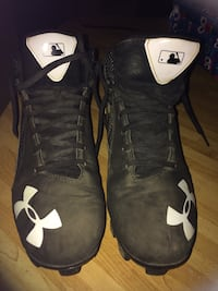 Pair of black under armour basketball shoes Eau Claire, 54703