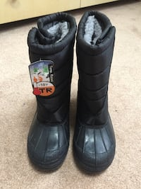 Brand New Boots, Size 5 Youth/Adult Worcester, 01603
