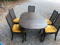 Antique table and 6 chairs  Clarksville