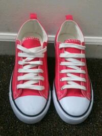 Epicste pale red sneakers Louisville