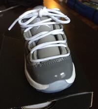 unpaired white and black Air Jordan 11 shoe East Chicago, 46312