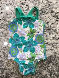Infant swimsuit Old Navy 12-18 mos EUC.    Price firm Clean Lincoln, 68516