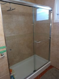 Glass shower doors with frame but no base Mississauga, L5C 1M5