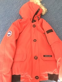 Canada Goose. Women's size M