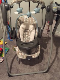 baby's gray and white portable swing Oshawa, L1G 1C1