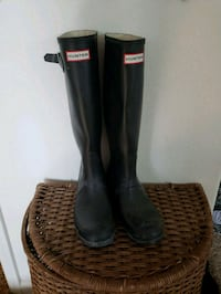 pair of black Hunter rain boots. BRAND NEW Dos Palos, 93620