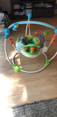 baby's white and green jumperoo Fairfax, 22032