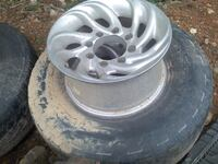 Set of wheels and side steps for a 2000 F250. $150.00 cash. Cleveland, 37312