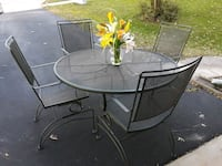 Metal outdoor patio table and 4 chairs Woodbridge, 22193