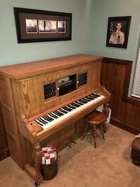 brown and white upright piano Saint George, 84790