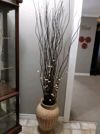 Vase with decorative branches / sticks London, N6E 3B8