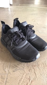 Nmd r1 Tripple black New Westminster, V3L 4M2