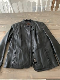 Women's Danier leather jacket with liner  Sz Med. Mint condition Sherwood Park, T8H 1T4