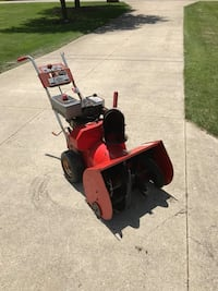 Craftsman 4 speed snow blower with electric start New Berlin, 53151