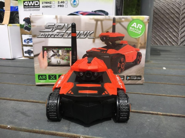 RC Spy Tank, With Camera and FPV, Has it own WiFi, Controlled With Your  Smartphone