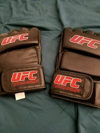 UFC training gloves Las Vegas, 89147