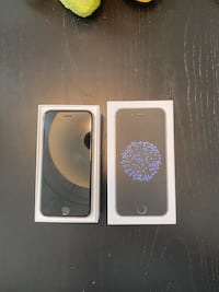 iPhone 6 64 GB - Good Condition + 2 cases Toronto, M5V 3N1
