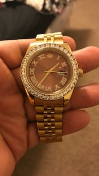 round gold-colored Michael Kors analog watch Inkster, 48141