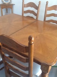 brown wooden dining table set Laval, H7W