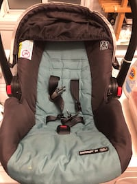 Baby's gray and black car seat carrier Longueuil, J4J 3E4