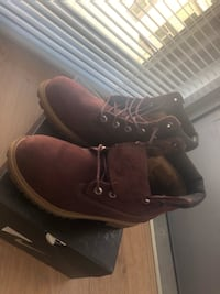 Maroon timberlands  Washington