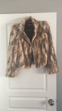 Brown and black faux fur jacket by Alice + olivia 544 km