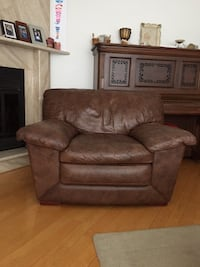 Chair 75$ love seat 100$...3 seater couch 75$ Laval, H7M 5N8