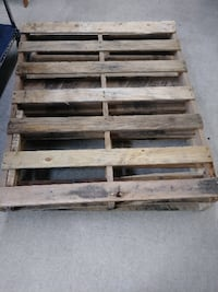 FREE WOODEN PALLTS Palm Bay