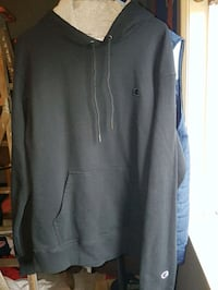 Size large champion hoodie North Vancouver, V7L 1A1