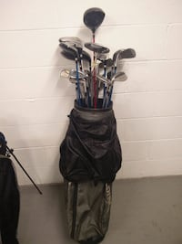 Golf clubs and bags. End of season sale Toronto, M4G 2G6