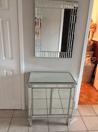 2 pieces in glass (mirror and console table) Excellent condition! Must see! Laval, H7G 0B6