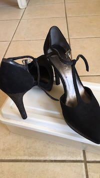 Ralph Lauren T strap suede & leather high heels  Delray Beach, 33445