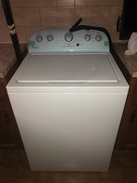 White top-load clothes washer Montréal, H4N 2X9