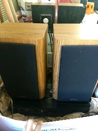2 Infinity Speaker with Sony AM/FM receiver Vancouver, 98685