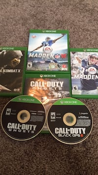 Four xbox one game cases Bakersfield, 93307
