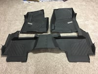 Full size set Chevy floor liners Lincoln, 68506