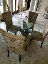 Glass dining room table & 4 chairs Slidell, 70461