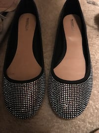 Pair of black flat shoes with lots of sparkle size 9 1025 mi