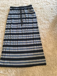 Ladies size Large Skirt (Like New)  Milton, L9T 2R1